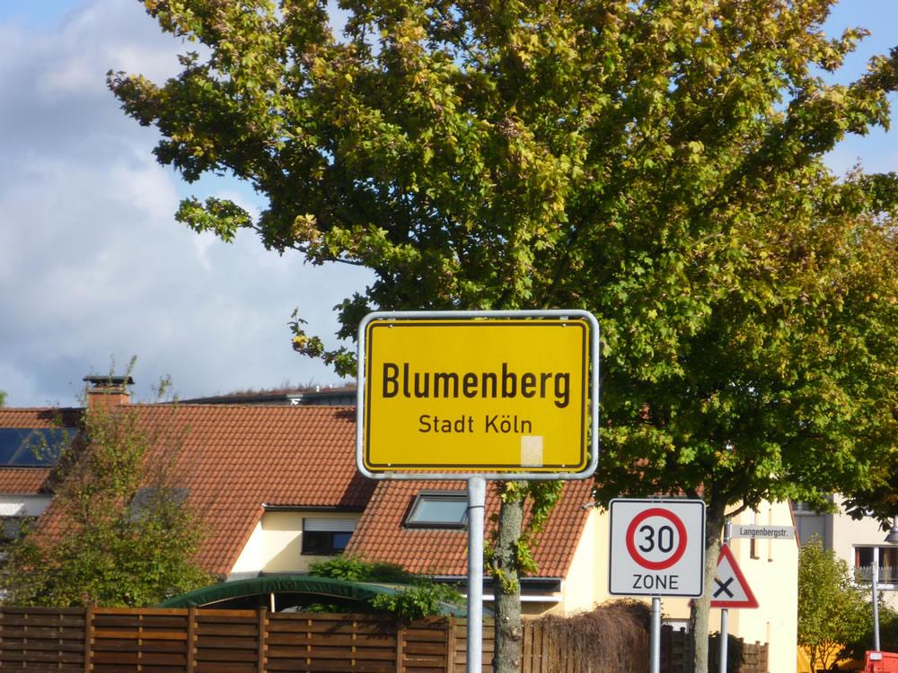 Blumenberg wartet auf die Buslinie