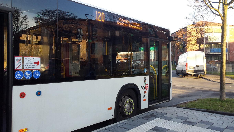 Bus-Linie 120 in Blumenberg