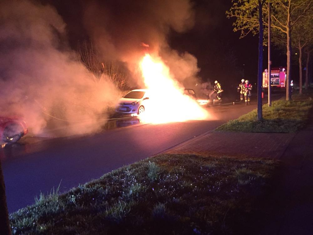Vier Autos abgebrannt
